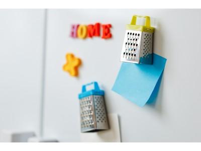 Чи можна декорувати холодильник магнітами