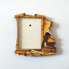 Деревянный магнит под полиграфическую вставку Свиток с пером